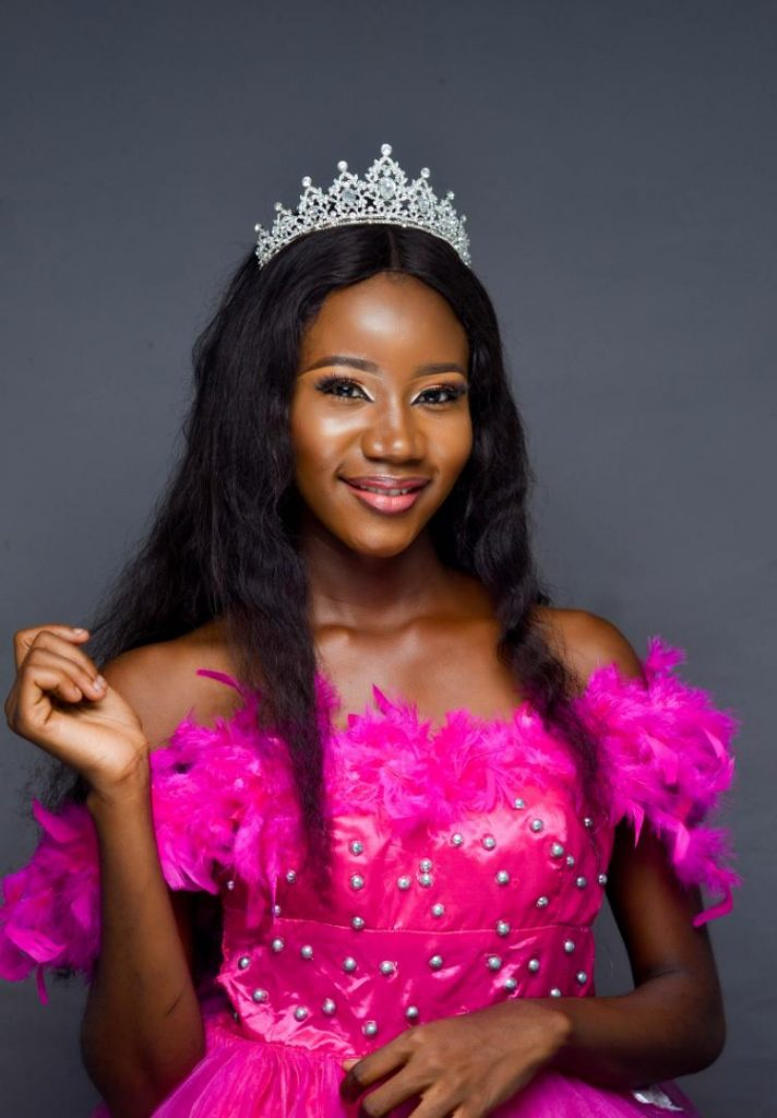 [Modeling]: Davidson Deborah - Modelling, The Pains, Gains and Challenges (Read More)